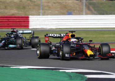 Hamilton y Verstappen se ven las caras en Hungría tras accidente de Silverstone