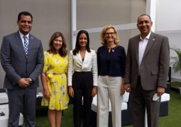 Presidente del Indotel se reúne con representantes de la UIT en MWC 2021