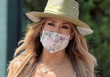 Jennifer López presume collar en tendencia con el nombre de Ben Affleck