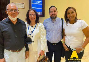"""Alianza País considera """"inaceptable"""" que la salud y seguridad social sean manejadas por intermediarios"""