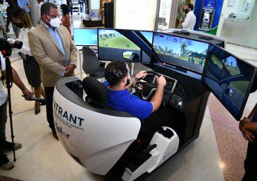 INTRANT instala simuladores de conducción en los centros comerciales Blue Mall y Ágora Mall