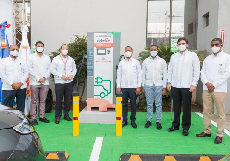 Edesur instala supercargador dual para vehículos eléctricos; el más potente del sistema