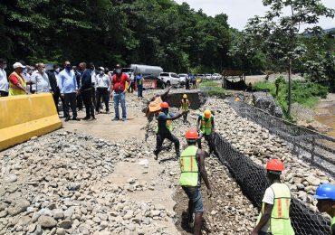 Obras Públicas supervisa trabajos carretera Piedra Blanca-Maimón-Cotuí