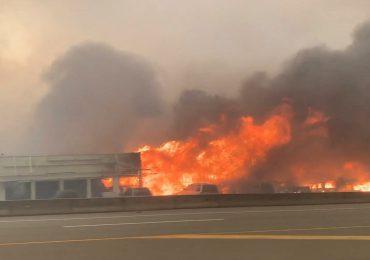 Incendios 'extremos' y denso humo invaden el oeste de EEUU y Canadá