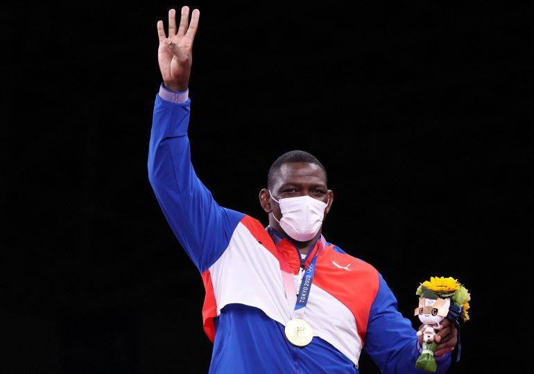 Cubano Mijaín López, primer hombre en conseguir cuatro oros olímpicos consecutivos en lucha