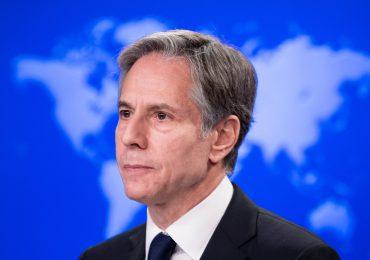Personal de embajada de EEUU en Kabul es transferido al aeropuerto, dice Blinken