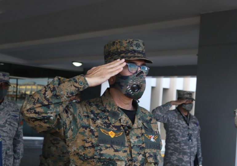 El Ministro de Defensa destaca aportes militares en Defensa y Seguridad Nacional en medio de la pandemia