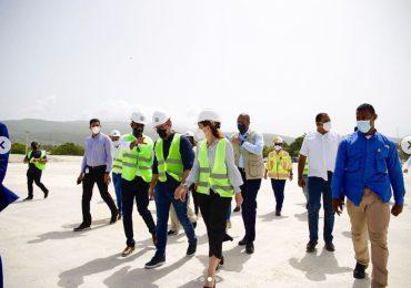 Raquel Peña en puerto de Barahona destaca su potencial para el desarrollo de la región Sur