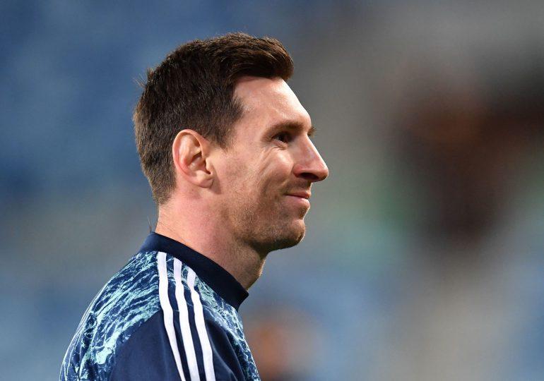 Entre Barcelona y París, Messi prolonga el suspenso sobre su futuro