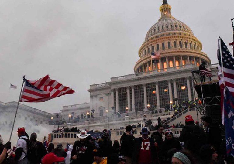 Un hombre se declara culpable de agredir a un policía en el ataque al Capitolio de EEUU