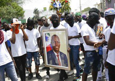 Ofrecen recompensas por presuntos responsables del asesinato del presidente de Haití