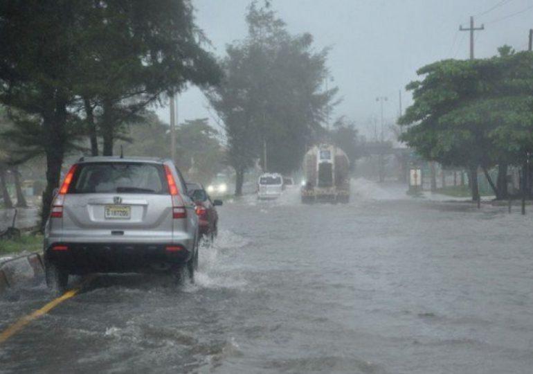 ¡Cuidado! Diferencia entre tormenta y depresión tropical es mínima, advierte Osiris de León