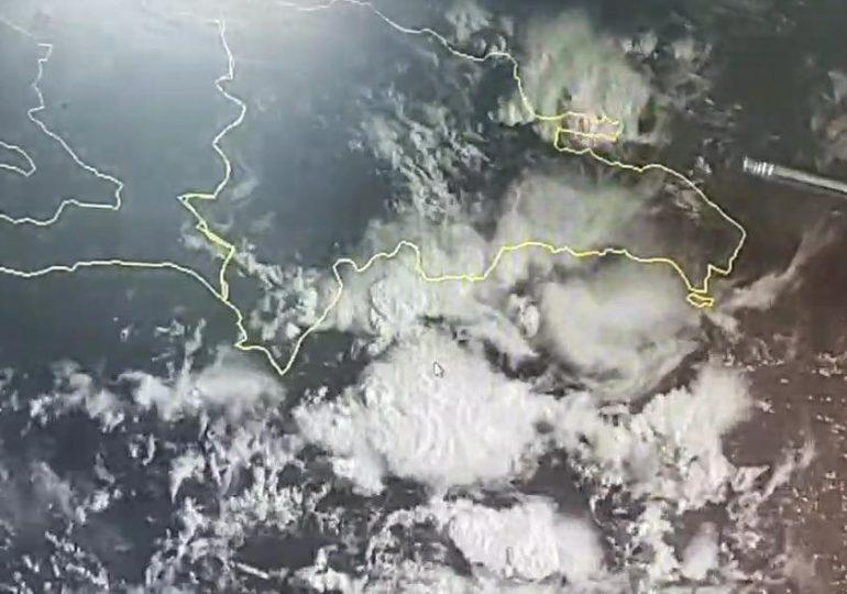 VIDEO | Onamet da seguimiento a dos ondas tropicales, una podría ser tormenta en las próximas horas