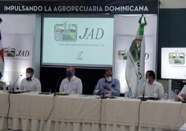 VIDEO | Luis Abinader comerá carne de cerdo en reunión con productores porcinos