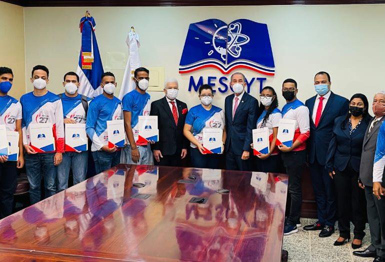 MESCYT facilita becas con cobertura total a 11 ganadores del primer lugar en concurso de la NASA