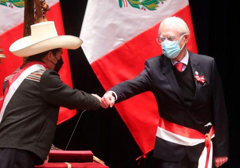 Renuncia el canciller de Perú, primera baja en el gabinete de Castillo