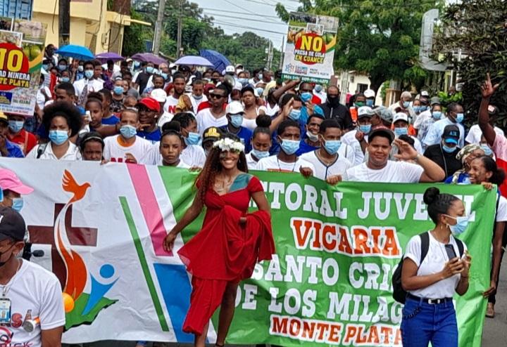 Realizan otra protesta en contra de Barrick Gold en Monte Plata