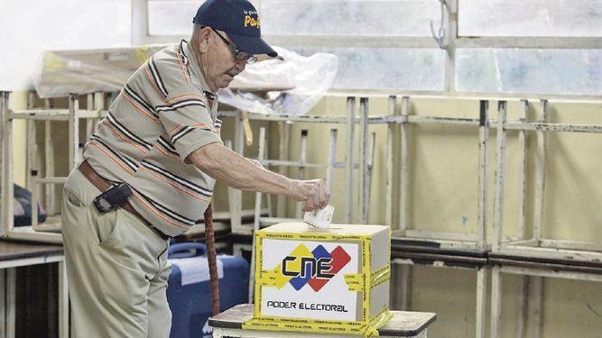 Oposición de Venezuela rompe tres años de boicot electoral y participará en regionales