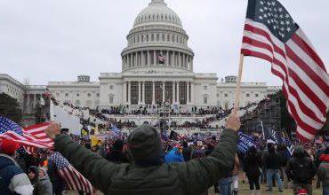 Agentes de la Policía del Capitolio demandan a Trump por invasión al Congreso de EEUU