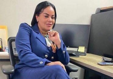 """Renuncia del PRM y del Gobierno la mujer que le gritó """"ladrón"""" a Abel Martínez"""