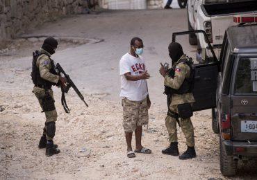 La Fiscalía de Haití emitió cinco órdenes de arresto contra nuevos sospechosos del magnicidio de Jovenel Moïse
