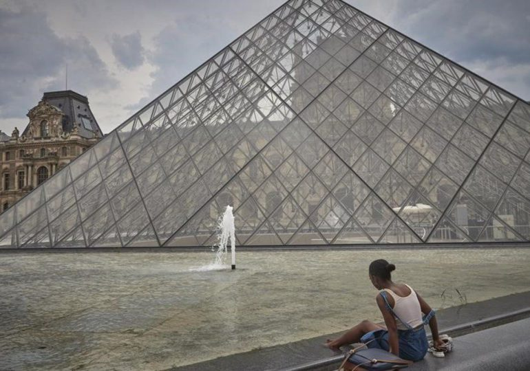 Bajo el cielo de París... apenas hay turistas