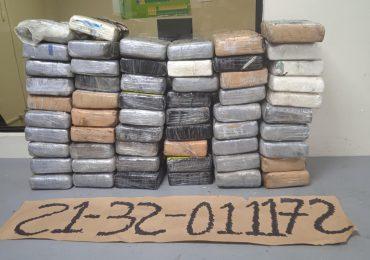VIDEO | Incautan 57 paquetes de cocaína en Puerto de Haina Oriental