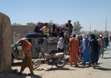 Blinken llama a China y Rusia para discutir sobre el colapso de Afganistán