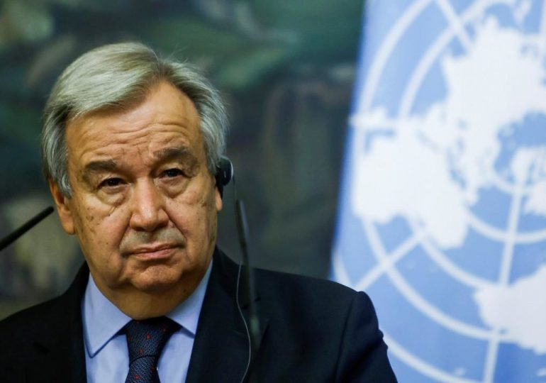 """Jefe de la ONU advierte contra """"catástrofe humanitaria"""" en Afganistán y pide fondos"""