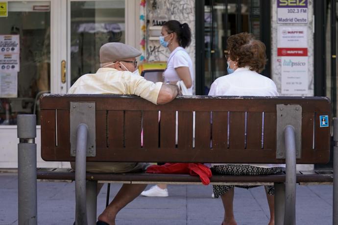 Gobierno español presenta su reforma para aumentar pensiones según la inflación