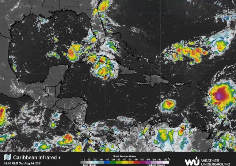 Grace se degrada a tormenta tropical a su paso por este de México