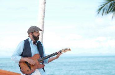 """Juan Luis Guerra comparte el detrás de cámaras de su concierto """"Entre Mar y Palmeras"""""""