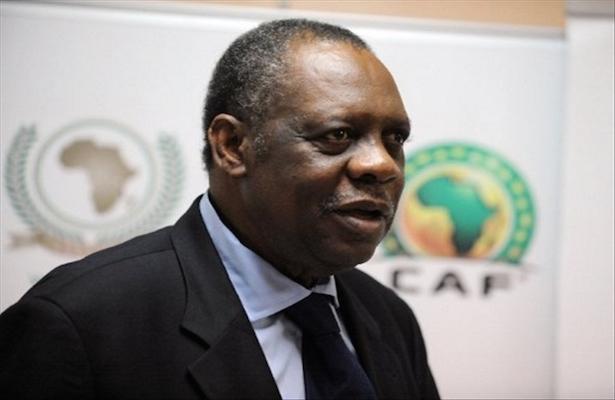 La FIFA suspende un año a Issa Hayatou, expresidente de la CAF