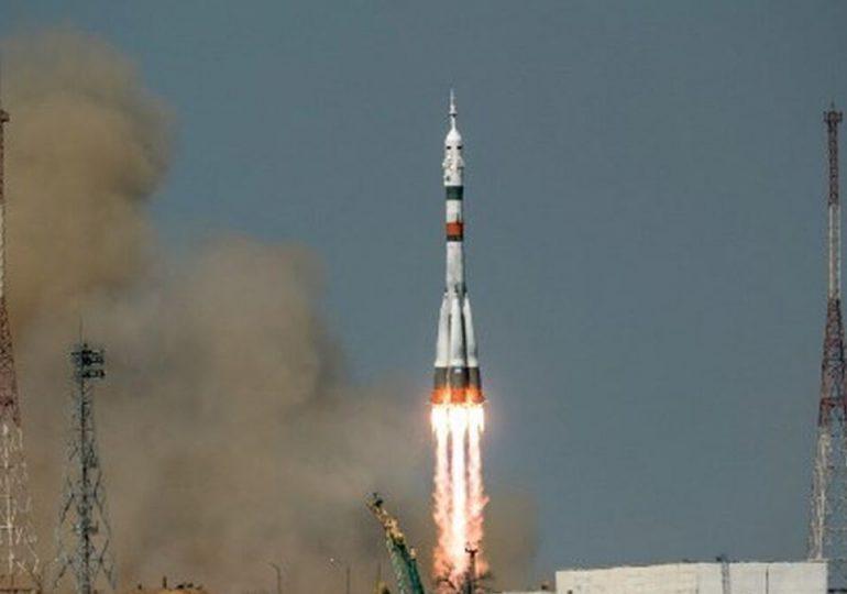 Cohete ruso lanza 34 satélites del operador británico OneWeb
