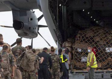 Macron dice que Francia permanecerá en Irak incluso si EEUU se retira