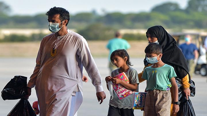 Países de la UE buscan evitar nueva crisis migratoria, ahora con origen en Afganistán