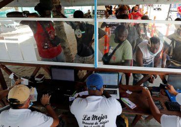 """Panamá y Colombia buscan acuerdo para evitar """"crisis migratoria"""""""