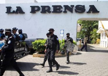 Policía de Nicaragua allana diario La Prensa en medio de detenciones de opositores