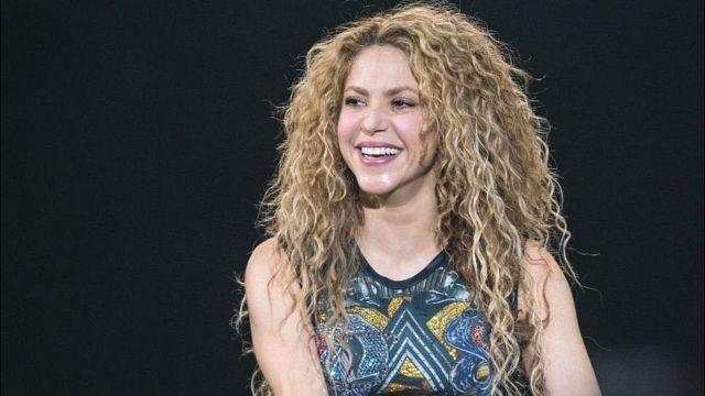 Shakira nunca reprime a su niña interior, postea video montando patineta