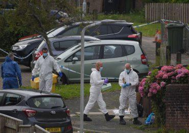 Una niña de tres años entre las cinco víctimas del peor tiroteo en Reino Unido en diez años