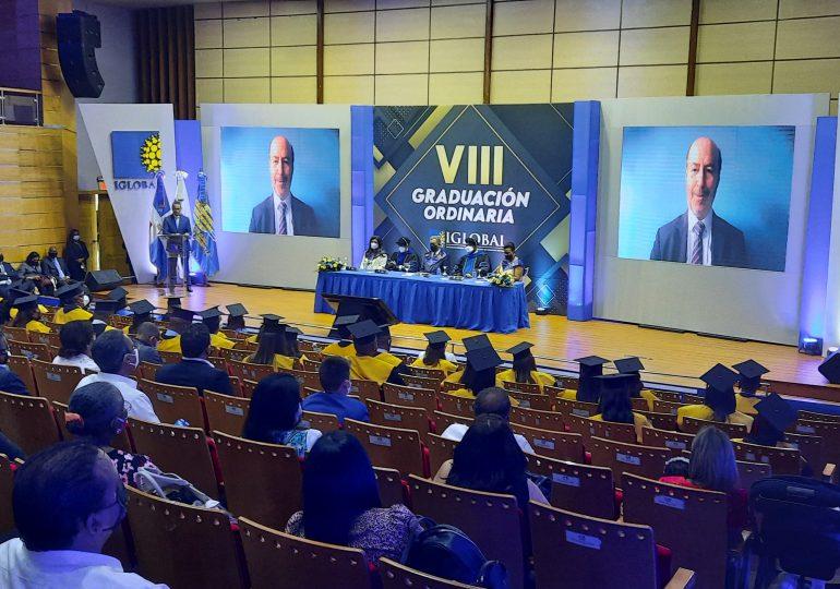 IGLOBAL celebra su VIII graduación ordinaria en un acto encabezado por el doctor Leonel Fernández
