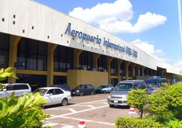Incendio interrumpe operaciones en el principal  aeropuerto de Bolivia