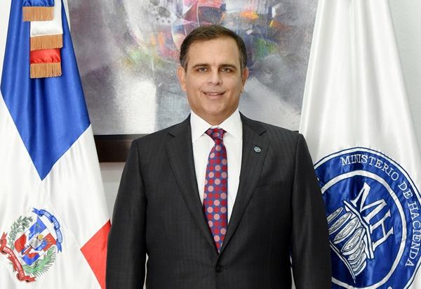 Ministro de Hacienda le responde a Domínguez Brito sobre supuesta deuda