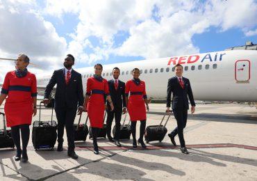 Más de cincuenta profesionales forman la plantilla del personal de RED Air