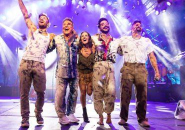 Los Montaner dedican su concierto en familia a Johnny Ventura