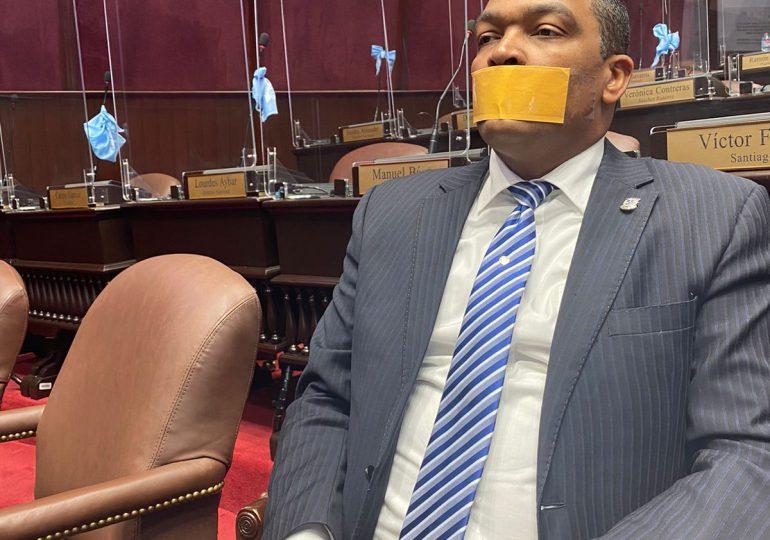 """Botello """"callado y con bozal"""" presentará recurso ante el pleno de la Cámara de Diputados"""