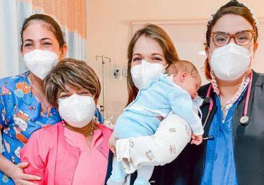 Dan el alta médica a bebé de Zeny Leyva, luego de ocho días de hospitalización