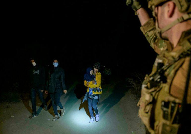 EEUU prevé enjuiciar a adultos deportados que reingresen al país ilegalmente