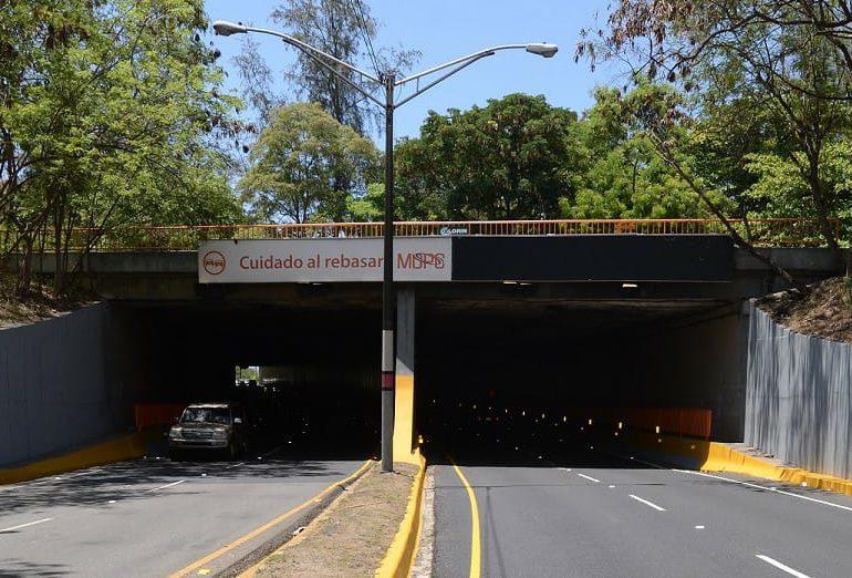 Instituciones públicas afirman resolverán oscuridad del túnel de la avenida Núñez de Cáceres