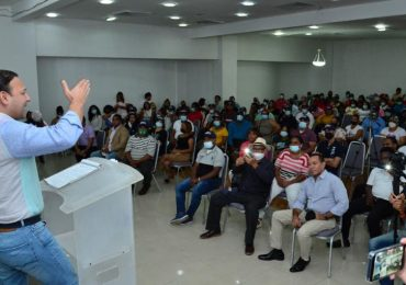 Abel Martínez recibe respaldo de la dirigencia del PLD en Monseñor Nouel
